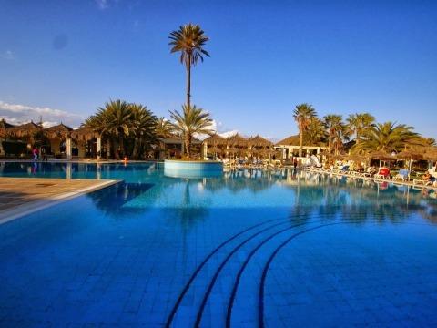 TUNIS - TERORISTICKÝ ÚTOK