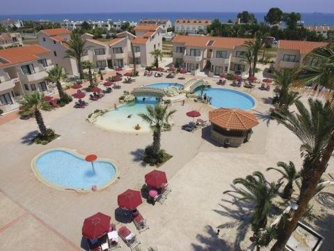 Crowne Resort Henipa
