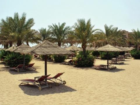 Le Meridien Al Aqah Beach