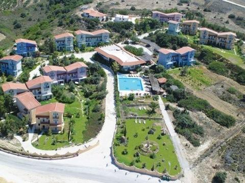 The Small Village Hotel & Maisonettes