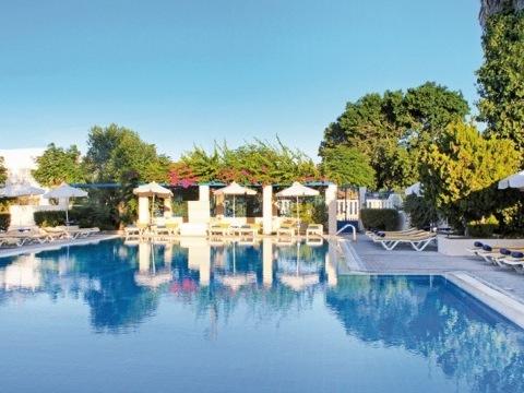 Nissia Kamares Hotel & Apartment