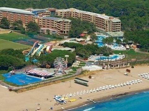 Sueno Beach Resort