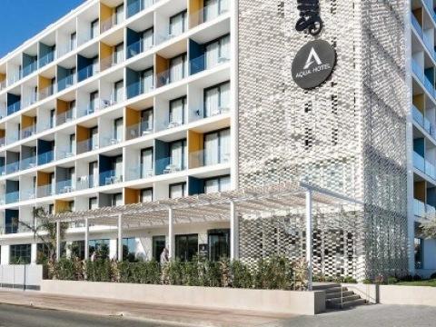 Aqua Hotel Silhoutte & Spa