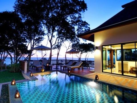 Crown Lanta Resort