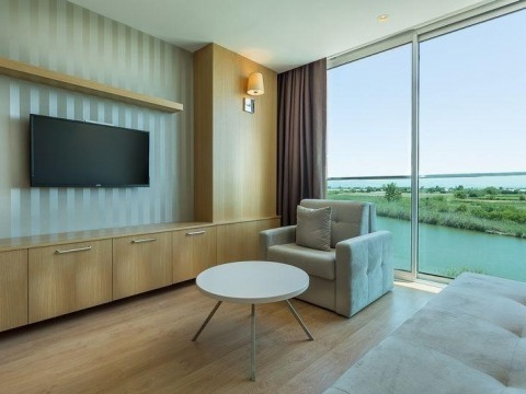 Aska River Suite