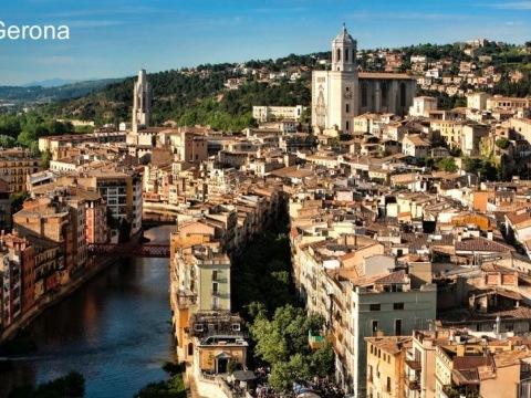 Barcelona, Girona a Montserrat s pobytem u moře