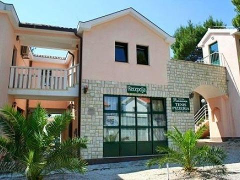 Rogoznica - Ružmarin apartmánové středisko (vila Rozi)